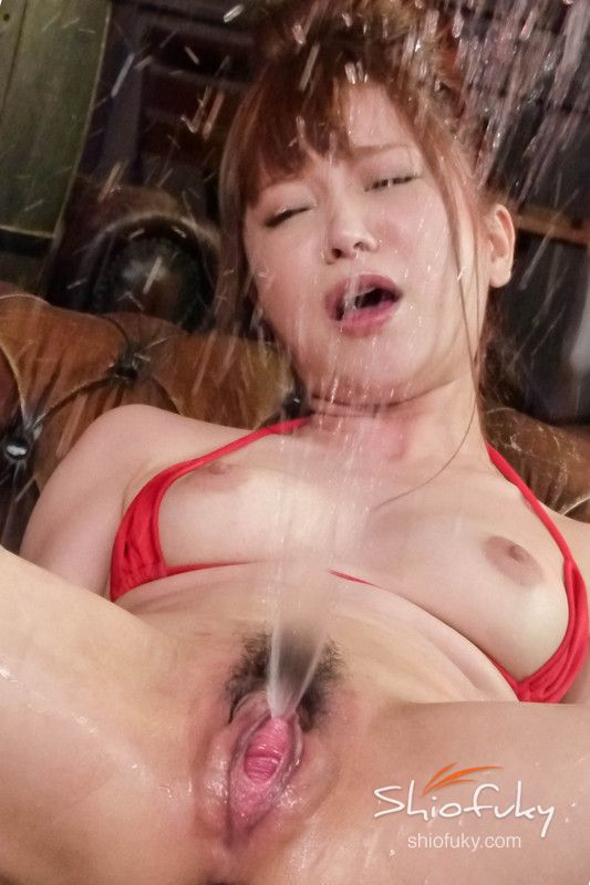 image Pretty chick squirts from fucking a huge dildo